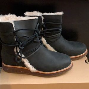 Brand new, never used Ugg boots